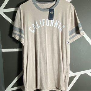 NWT - Hollister T-Shirt - Size XL
